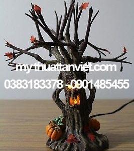 mô hình thân cây halloween